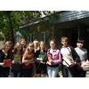 Молодые читатели у библиотечного крыльца.JPG