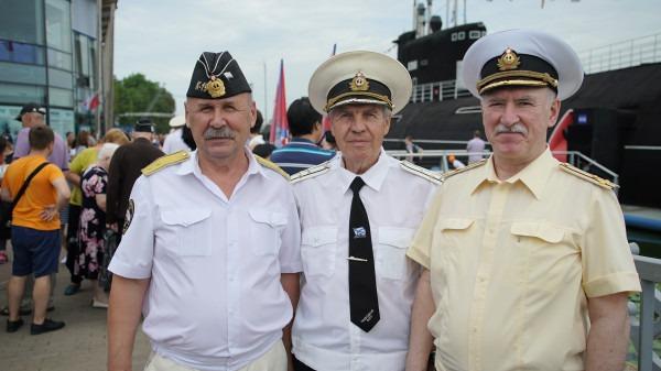 Изображение с https://ic.pics.livejournal.com/marins_group/35506746/78505/78505_600.jpg