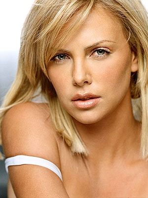 Изображение с http://www.peoples.ru/art/cinema/actor/theron/theron_77.jpg