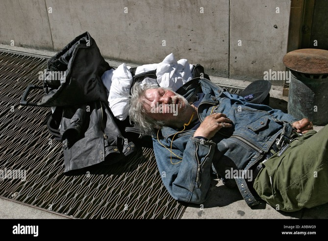 Изображение с http://c8.alamy.com/comp/A9BWG9/alcoholic-homeless-man-in-downtown-manhattan-new-york-city-A9BWG9.jpg