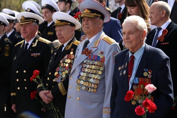 Изображение с http://ic.pics.livejournal.com/marins_group/35506746/17549/17549_600.jpg