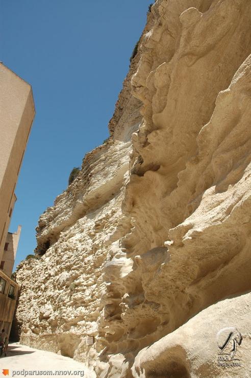 Отвесные скалы