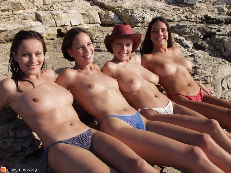 3GQNXVGRR5_topless0036.jpg