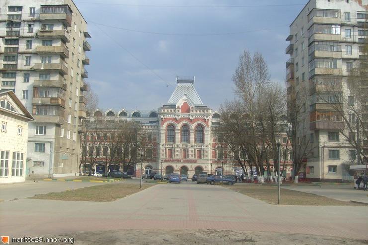 Главное здание ярмарки со стороны Ярморочного проездаS7301221.JPG