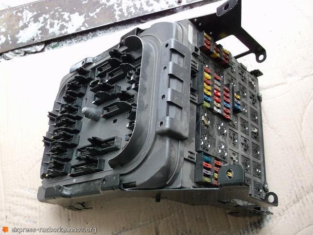 оф.0064 Монтажный блок, блок предохранителей Рено Премиум 5010466930.jpg