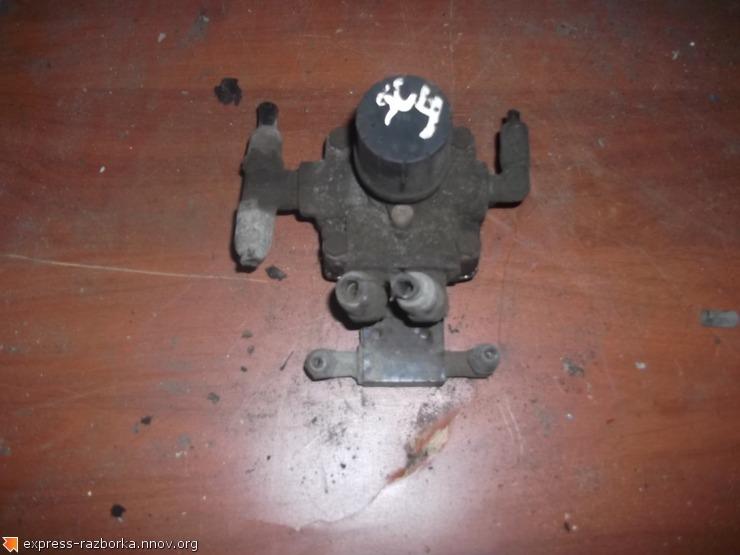2865 Клапан ускорительный 9730110500 Sc4.JPG