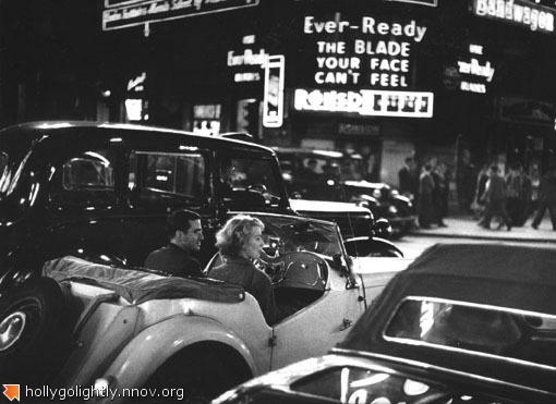 Piccadilly_Circus__1__1953_5038b297c3ba1.jpg