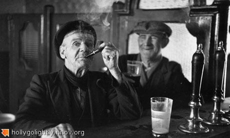Two-men-drinking-at-a-Dub-008.jpg