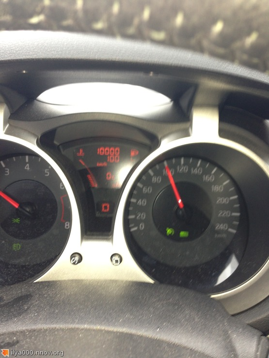 2013-02-18 12.18.55 - Где-то в на трассе в Эстонии, пробег моей машины - ровно 10 тыс км.jpg