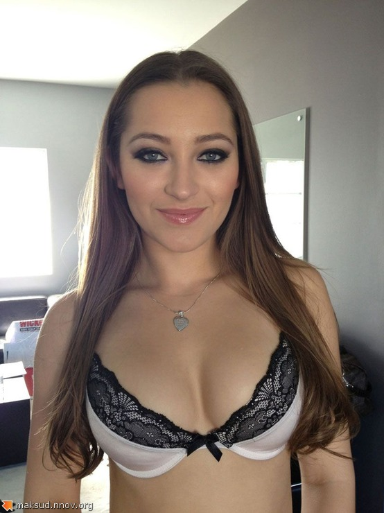 Dani-Daniels-hot-pics-mix8.jpg