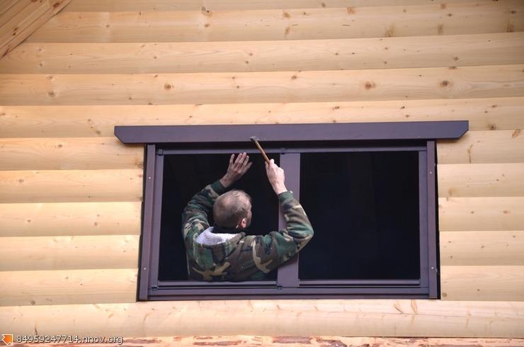 Деревянные окна  со стеклопакетом , установка.JPG
