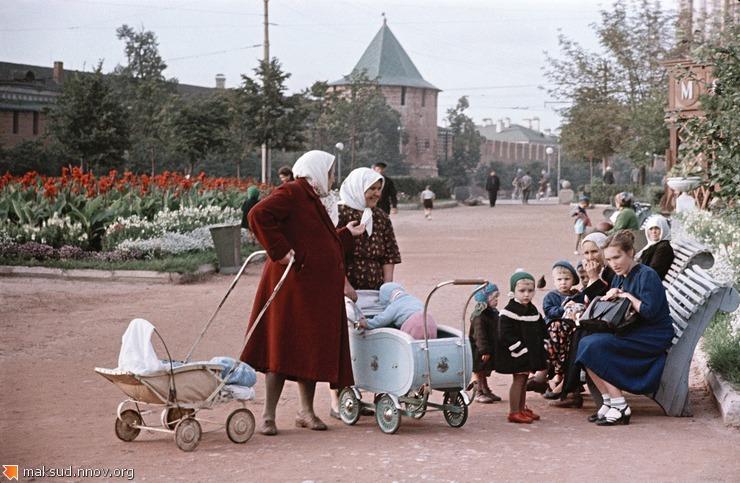 Горький в 1950-е годы (Минина).jpg