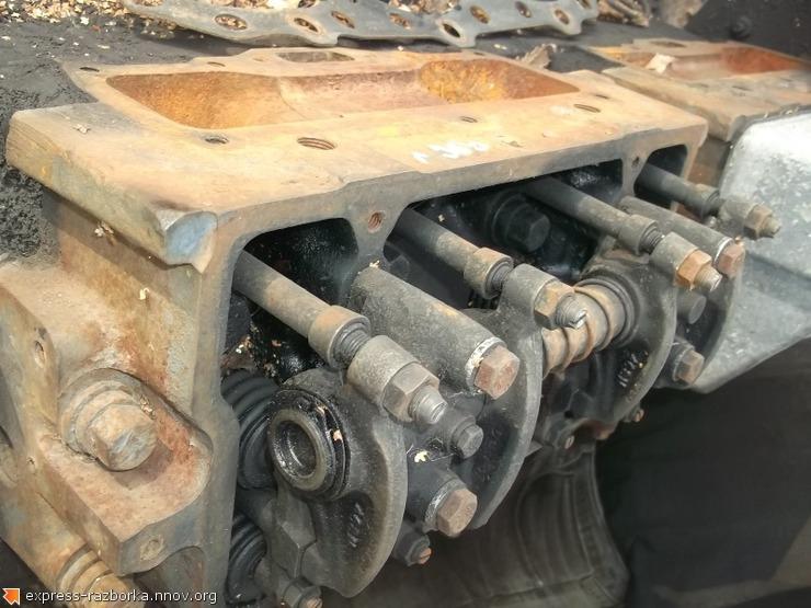 9500 ГБЦ головка блока цилиндров 5001831042 Renault Magnum 560 Рено магнум.JPG