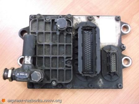 10146 Блок управления двигателем A0704463840 Mercedes.jpg