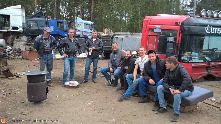 Авторазборка грузовиков в Нижнем Новгороде Лесная Поляна 19 мерседес актрос 89290445005.jpg