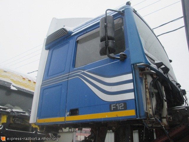 25515 Кабина вольво ф12 низкая Volvo F12 синяя.jpg