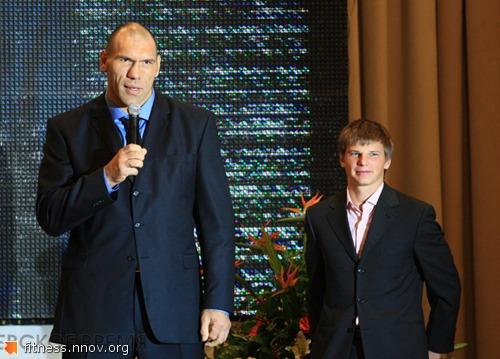 Аршавин против Валуева! (реальное фото)