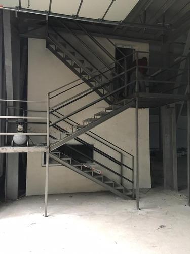 заказать каркас лестницы mirkarkasov.ru